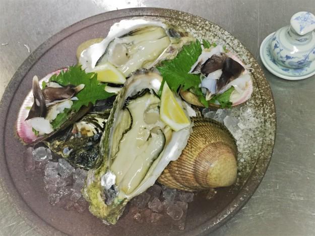 トリ貝、岩牡蠣